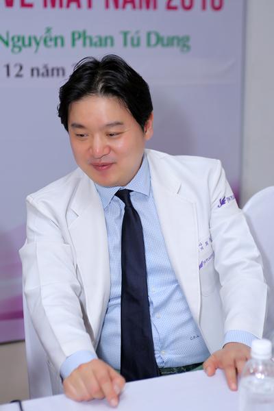 theo-chan-bac-si-tham-mat-hang-dau-han-quoc-hong-lim-choi-tai-viet-nam-18